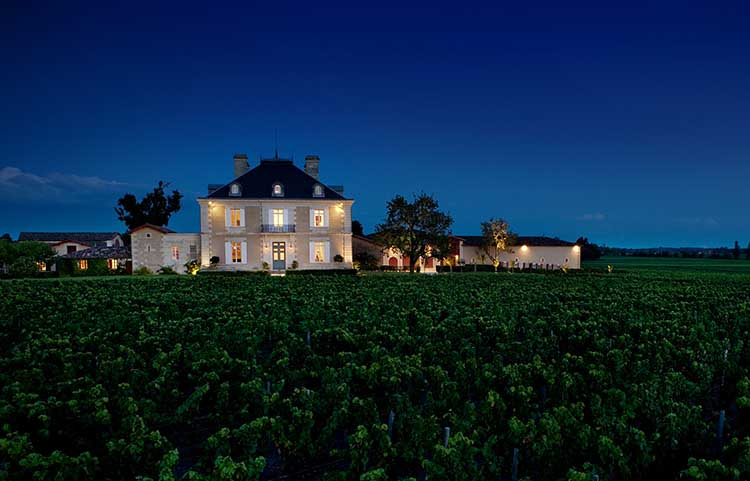 chateau-haut-bailly-by-night